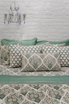 New Garden Furniture Cushions Pillows Ideas Grey Bedroom Furniture, Farmhouse Living Room Furniture, Bed Story, Repurposed Furniture, Garden Furniture, Textiles, Cushions, Pillows, Indian Home Decor