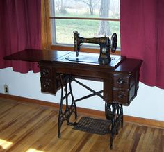 Relearning to sew on a treadle sewing machine. Need to figure this out - since I have a sweet old treadle machine that just needs a few tune-ups. Treadle Sewing Machines, Antique Sewing Machines, Vintage Sewing Patterns, Sewing Hacks, Sewing Crafts, Sewing Projects, Bordados E Cia, Sewing Rooms, Learn To Sew