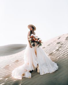 48 ideas for boho bridal photoshoot wedding gowns Bridal Photoshoot, Bridal Shoot, Photoshoot Beach, Inspiration Photoshoot, Reception Gown, Bridal Photography, Fashion Photography, Bridal Headpieces, Indian Bridal