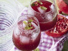 Kirsch-Granatapfel-Cocktail ist ein Rezept mit frischen Zutaten aus der Kategorie Steinobst. Probieren Sie dieses und weitere Rezepte von EAT SMARTER!