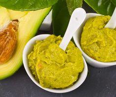 Încearcă rețeta noastră de pastă de avocado cu iaurt și gălbenuș de ou