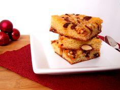 Blondie de festa (brownie branco com castanhas e frutas vermelhassecas)