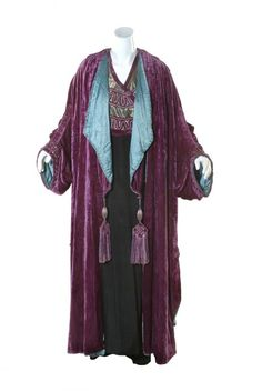 Purple silk velvet and gold lame opera coat with silk satin lining and integral gold lame waistcoat, c. 1911. Designed by Lucile.