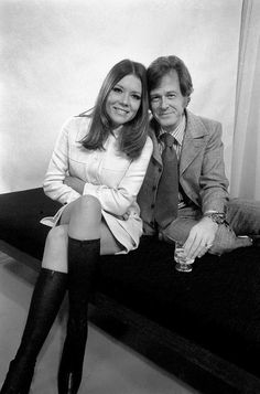 """isabelcostasixties: """"Diana Rigg and Robert Culp who star in the television drama Married Alive written by John Mortimer. December 1969 """" Oh, I'd like to see that. Emma Peel, Avengers Women, Avengers Girl, Diana Riggs, Dame Diana Rigg, Star Of The Day, Female Stars, Classic Tv, Vintage Hollywood"""
