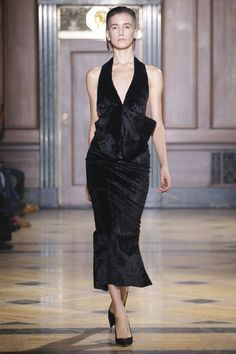 Sophie Theallet Fall 2016 Ready-to-Wear Fashion Show Collection Fall Fashion Week, Autumn Fashion, Fashion Show Collection, Couture Collection, Runway Fashion, High Fashion, Sophie Theallet, Black White Fashion, Couture Dresses