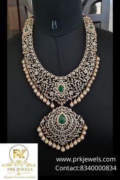 Gold Temple Jewellery, Gold Jewellery Design, India Jewelry, Gold Jewelry, Jewelery, Diamond Pendant, Diamond Jewelry, Diamond Necklaces, Gold Models