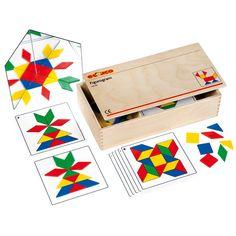 --- figurogram --- Een spel voor de ontwikkeling van de kleur- en vormwaarneming van kinderen. Ze kunnen de figuren op of naast de voorbeeldkaarten naleggen. De kunststof spiegel geeft de mogelijkheid de figuren in spiegelbeeld te maken.   Inhoud:  18 voorbeeldkaarten, 48 kunststof vormen, een spiegel.  Formaat kist: 35 x 19 x 8 cm (l x b x h).  522 231