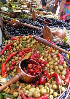 Marché aux olives - St. Rémy de Provence, France