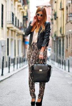 All combinations made with leather jacket look very cool and trendy, leather jacket never goes out of fashion as they strained time we immediately