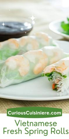 Full of fresh ingredients, Vietnamese fresh spring rolls make for the perfect healthy, grab-and-go recipe for lunch, an appetizer, or a summer snack. We'll teach you how to wrap and roll spring rolls. It's easy! Lunch Recipes, Appetizer Recipes, Vietnamese Fresh Spring Rolls, Burmese Food, Healthy Granola Bars, Bite Size Food, Veggie Chips, Homemade Crackers, Best Party Food