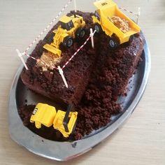 Torta di compleanno vegana al cioccolato