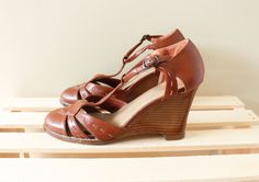 vintage shoes wedges 70s leather strappy by diaphanousvintage