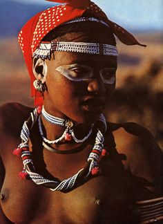 The Futuristic Dress of South Africa's Xhosa People Tribal People, Tribal Women, Cultures Du Monde, World Cultures, African Tribes, African Women, Xhosa, Ethno Style, African Culture