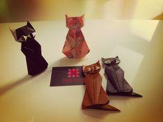 Cats Origami designed by Taichiro Hasegawa   meirehirata.com Follow me on Instagram: Meire Hirata Origami