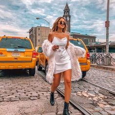 Going braless can stop traffic for all the right reasons. | Best Outfits for Flat Chested Women