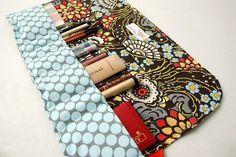 Cosmetics organizer makeup holder roll