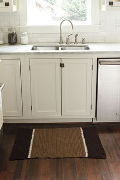 Crocheted Kitchen Rug from Classic Kitchen Crochet
