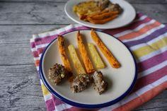 BLW Frikadellen aus Rinderhackfleisch. Ein Rezept für saftige Fleischbällchen für Babys und Kleinkinder mit selbstgemachten Pommes.