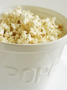 how to make PERFECT popcorn on the stove! stovetop popcorn is SO much yummier than microwave!
