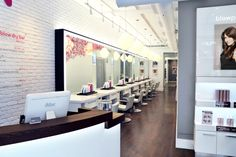 Visit a blow dry bar in NYC for blowouts that can take ho-hum looks to the next level. Here are our favorite blowdry-centric hair salons in New York. Blow Salon, Blow Dry Bar, Retail Concepts, Interior Design Inspiration, Interior Ideas, Design Ideas, Salon Design, Lounges, Retail Design