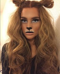 Cute lion makeup for beautiful girl.You can find Lion halloween makeup and more on our website.Cute lion makeup for beautiful girl. Lion Halloween Costume, Lion King Costume, Creepy Halloween, Lioness Costume Diy, Diy Lion Costume, Jungle Costume, Diy Costumes, Simple Halloween Costumes, Lion Dance Costume