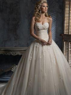 A-line Sweetheart Organza Lace Wedding Dresses #BK819