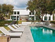 Casas con estilo. #9 Luz y color en una moderna casa de verano.