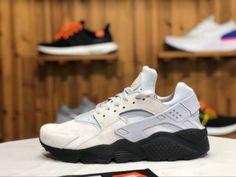 f814e3255509 Nike Air Huarache Run SE Matte Silver light grey black 852628 003 Mens  Womens Winter Running