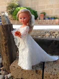 Nancy novia.                                                                                                                                                                                 Más Doll Clothes Patterns, Clothing Patterns, Nancy Doll, Bride Dolls, Wellie Wishers, Special Dresses, Jewelry Patterns, Beautiful Dolls, Marie