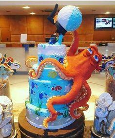 Buscando a dory cake Crazy Cakes, Fancy Cakes, Cute Cakes, Fondant Fish, Fondant Cakes, Cupcake Cakes, Creative Desserts, Creative Cakes, Dory Cake