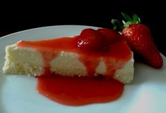 Cheesecake com calda de morango - receita da prima Andressa. Maravilhoooso!