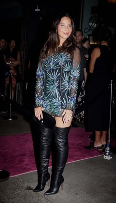 ffb2d1680ab Sam Faiers wears a version of THAT famous Versace safety pin dress ...