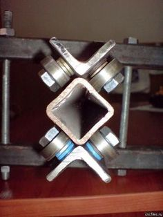 Order now extracted metal working projects Metal Projects, Welding Projects, Metal Crafts, Routeur Cnc, Diy Cnc Router, Metal Working Tools, Metal Tools, Homemade Tools, Diy Tools