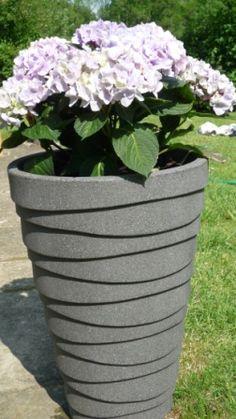 We love hydrangeas! Hydrangeas, Planter Pots, Hydrangea Macrophylla