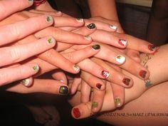 Day 337: Christmas Cheer Nail Art - - NAILS Magazine