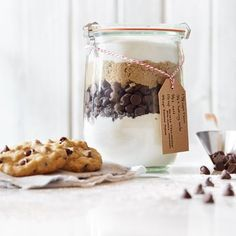 Chocolate Chip Cookie Mix in a Jar | Meals.com - A gift of classic sweet chocolate from your own kitchen.