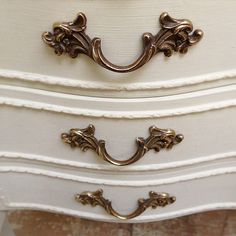 Vintage rococo handles / French bedside tables / Frenchfinds.co.uk / #frenchstyle #bedside #rococo #handles #vintage #frenchfinds #frenchfurniture #paintedfurniture | Flickr - Photo Sharing!