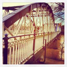 Zaragoza Puente de Hierro por Anda Miranda https://www.facebook.com/andamiranda