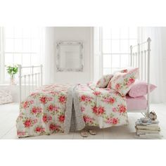 dreamy cath kidston bedroom. Want the sheet!