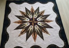 Vintage Compass, Quiltworx.com, Made by Galina Vintage Compass, Foundation Paper Piecing, Educational Videos, Vintage Patterns, Quilt Patterns, Quilts, Design, Quilt Pattern, Quilt Sets