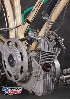 Ducati Cucciolo (Little Pup) was designed by the Turin based lawyer and writer Aldo Farinelli in 1943 after the Italian Armistice. Cucciolo in June 1946 Flat Track Motorcycle, Motorcycle News, Motorcycle Engine, Car Engine, Bicycle Engine, Bicycle Race, Bike, Ducati, Antique Motorcycles
