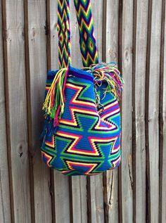 Authentic Colombian Wayuu Mochila traditional bag por peaceandluvsm