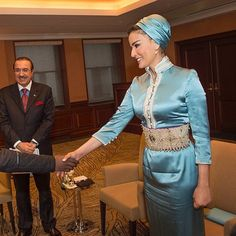 Sheikha Moza during her meeting with Qatari students studying in Japan in April 2014. She looked absolutely stunning in blue QELA dress and magnificent pearl belt.