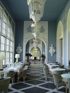 There's something rather calming about this space at the Greenbrier compared to the other bombastic interiors. The matte white millwork, arches, detailing, and lanterns give a feel of blanc de chine on a large scale. Beautiful.
