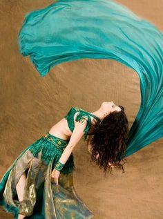 Back-bend + veil = :D