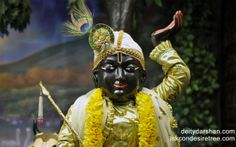 To view Gopal Close Up Wallpaper of ISKCON Chowpatty in difference sizes visit - http://harekrishnawallpapers.com/sri-gopal-close-up-wallpaper-009/