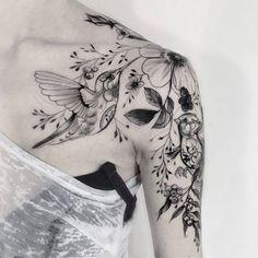 tatuajes-de-colibries-para-mujer-con-flores.jpg (360×360)