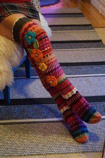 Ankortit: Sukkia jälleen Loom Knitting, Knitting Socks, Hand Knitting, Crochet Socks, Knit Crochet, Sock Loom, Loom Love, Warm Socks, Winter Socks