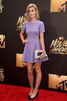 Grace Helbig Every Look From the Red Carpet at the 2016 MTV Movie Awards