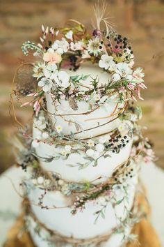 Amy Swann Wedding Cakes & Handmade Floral Headpieces